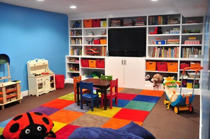 Thiết kế góc chơi cho bé sử dụng tủ kịch trần tiết kiệm không gian