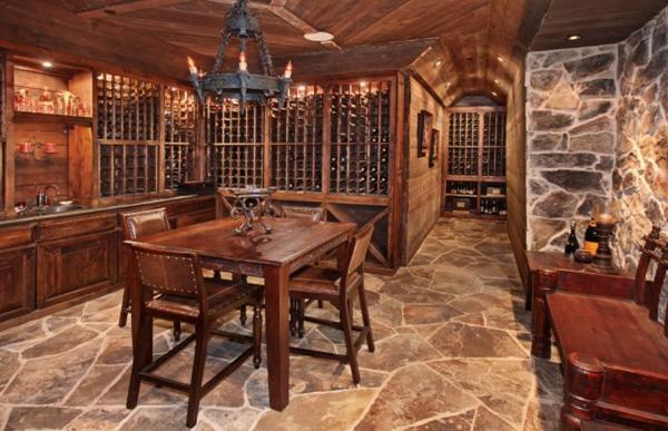 Hầm rượu và không gian thưởng thức rượu tuyệt vời!