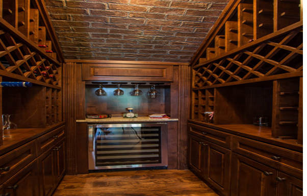 Một thiết kế thông minh đối với những ai muốn làm quầy rượu nhưng lại hạn chế về không gian
