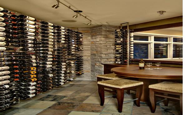 Hầm rượu với không gian mở có thể vừa uống rượu vừa ngắm cảnh