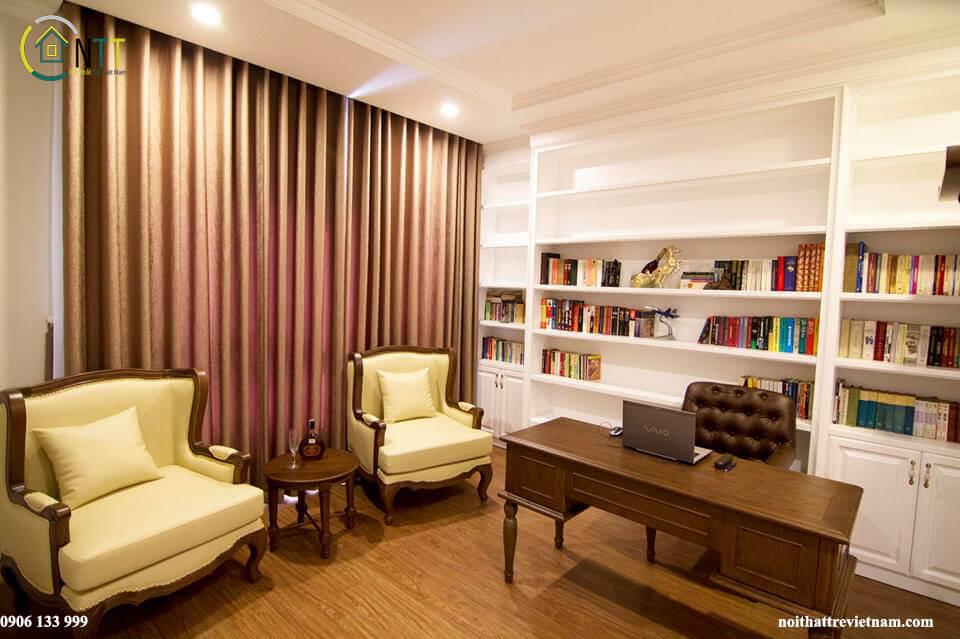 Toàn bộ nội thất căn hộ này sử dụng gỗ sồi Mỹ