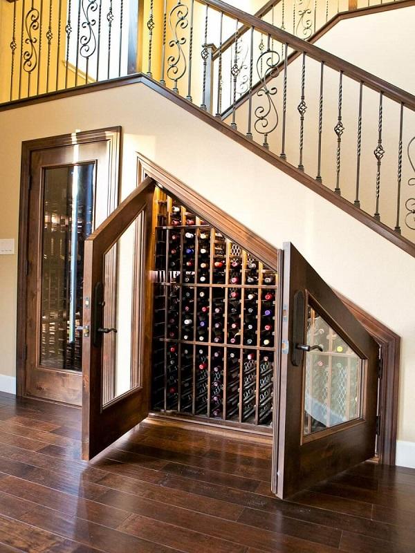 Mẫu 12 - Tủ rượu gầm cầu thang