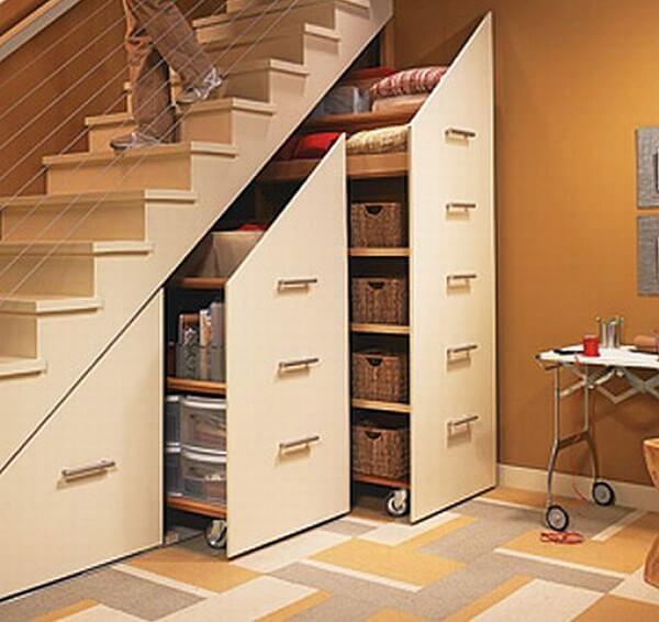 Mẫu 19 - Thiết kế tủ để đồ gầm cầu thang