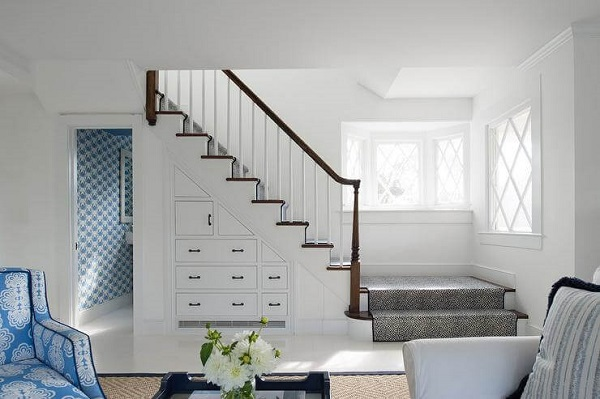 Mẫu 5 - Tủ gầm cầu thang phòng khách