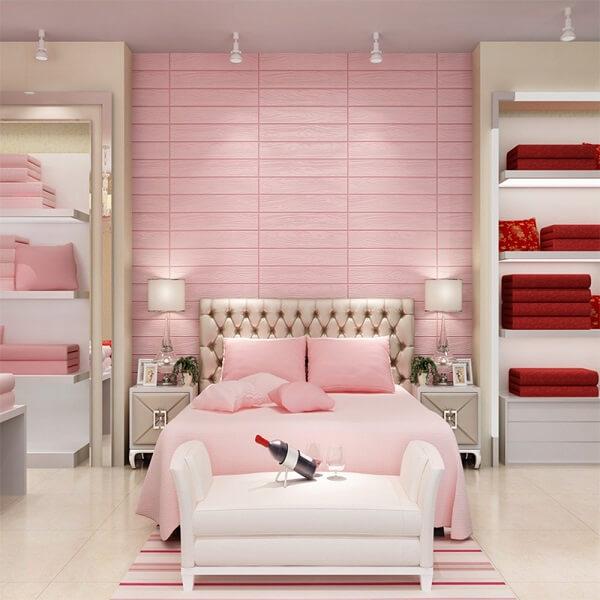 Ý tưởng 5 – Sử dụng giấy dán tường phòng ngủ màu hồng