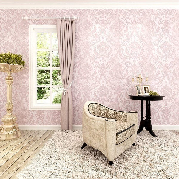 Ý tưởng 6 – Sử dụng giấy dán màu hồng cho phòng ngủ cao cấp và sang trọng