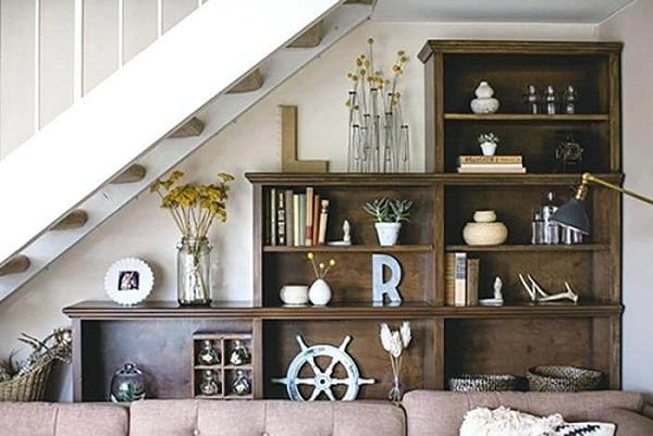 Mẫu 9 - Làm tủ sách kết hợp tủ trang trí dưới gầm cầu thang phong cách vintage hoài cổ