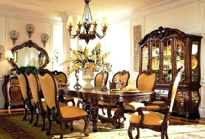 đồ nội thất cổ điển thường cầu kỳ
