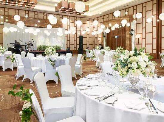 Ý tưởng 22 cách trang trí nhà hàng đẹp cho tiệc cưới