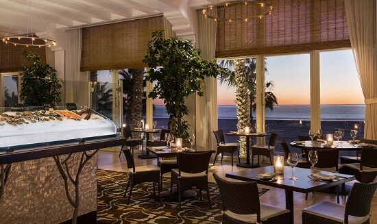 Ý tưởng 6 trang trí không gian đẹp cho nhà hàng ăn uống
