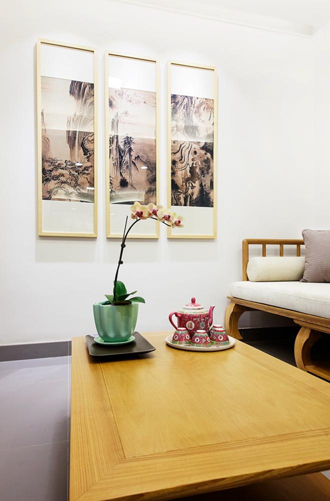 Phòng khách được sơn màu trắng