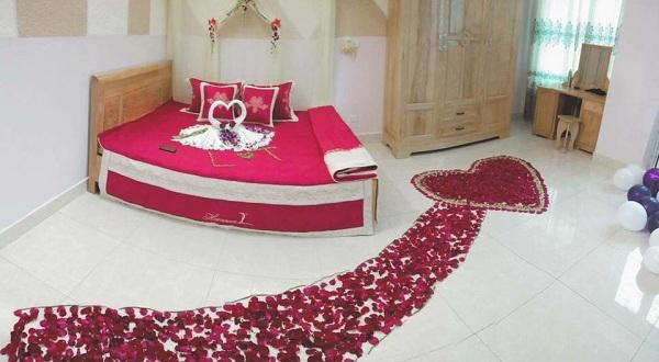 trang trí phòng cưới bằng hoa hồng 4