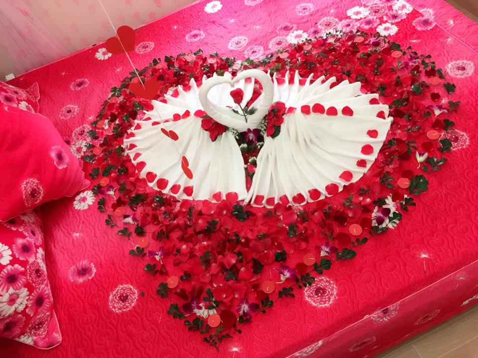 trang trí phòng cưới bằng hoa hồng 5