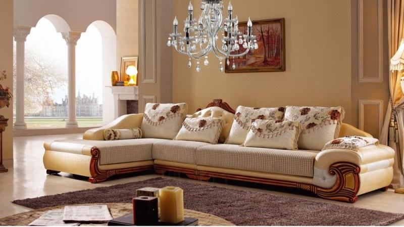 Mẫu 1: Ghế sofa cổ điển màu trắng sữa