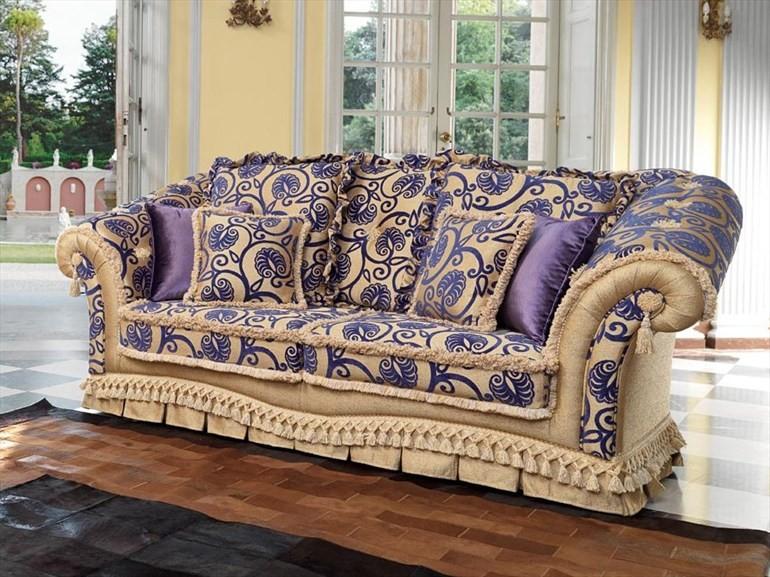 Mẫu 2: Ghế sofa cổ điển hoa văn màu tím thủy chung