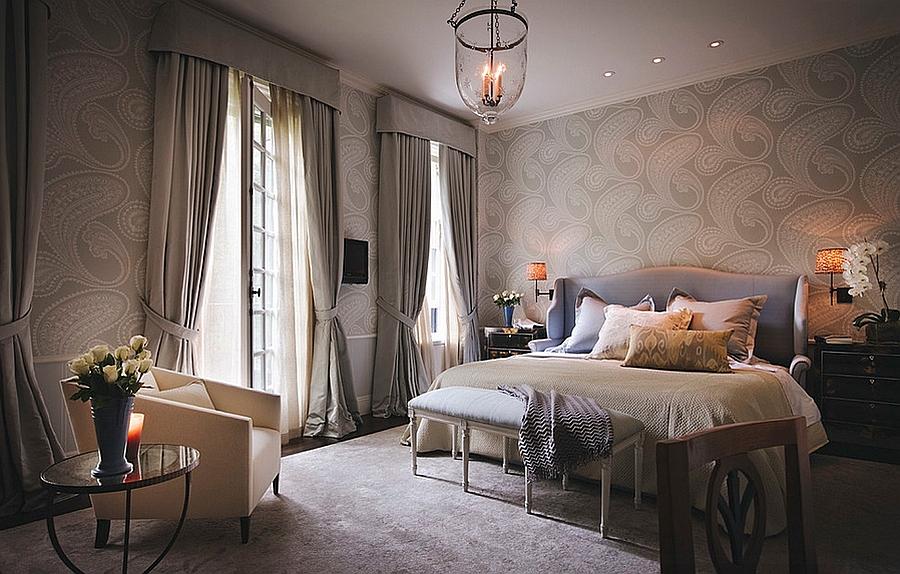Phòng ngủ master màu nâu xám ấm cúng