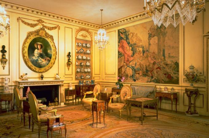 trang trí kiến trúc cổ điển, trang trí nội thất kiến trúc cổ điển, trang trí ngoại thất kiến trúc cổ điển, kiến trúc cổ điển, mua bán vật liệu trang trí nội ngoại thất