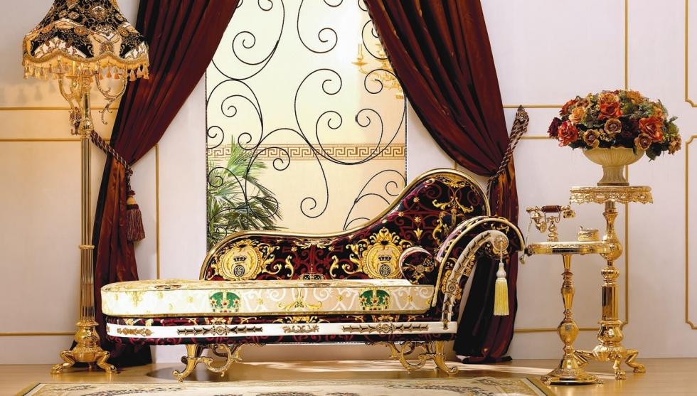 èm nhung dày, tối tiêu biểu cho phòng khách cổ điển