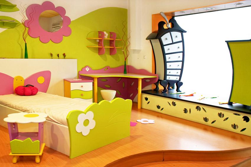 Mẫu 10: Sử dụng nội thất sang trọng khổ to tạo ra một thế giới hoạt hình đầy màu xanh trong phòng ngủ