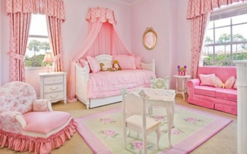 Mẫu 4: Phòng ngủ bé gái sử dụng lối trang trí cổ điển sang trọng mà vẫn rất đáng yêu