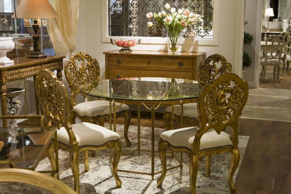 Phòng khách thiết kế nội thất theo phong cách châu Âu nước Pháp