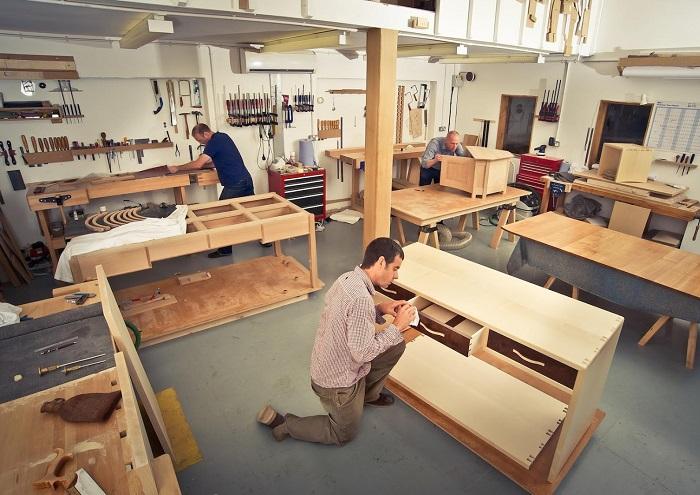 Triển khai sản xuất nội thất tại xưởng, thi công lắp đặt nội thất