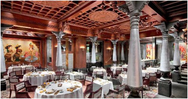 Nội thất nhà hàng phong cách Ấn Độ mẫu 2