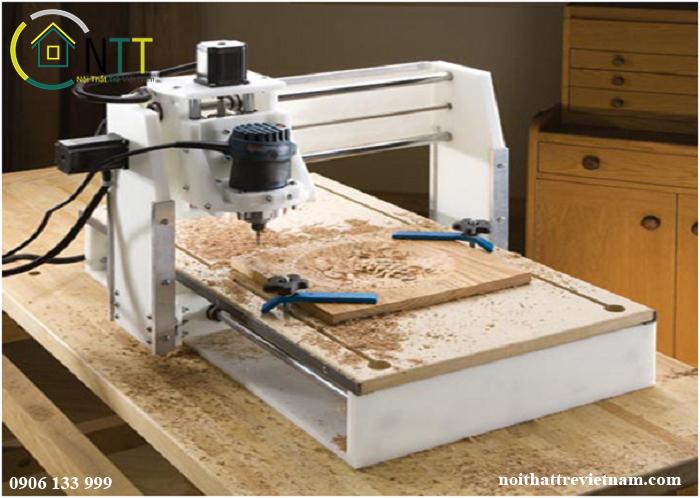 Một máy tạo hình 3D đang khắc họa tiết