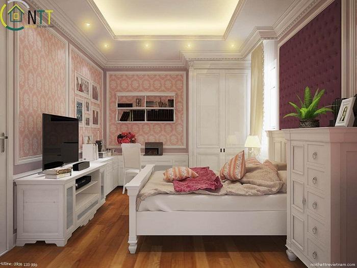 Phòng ngủ với trần thạch cao kết hợp đèn hắt ánh sáng vàng cùng đèn downlight